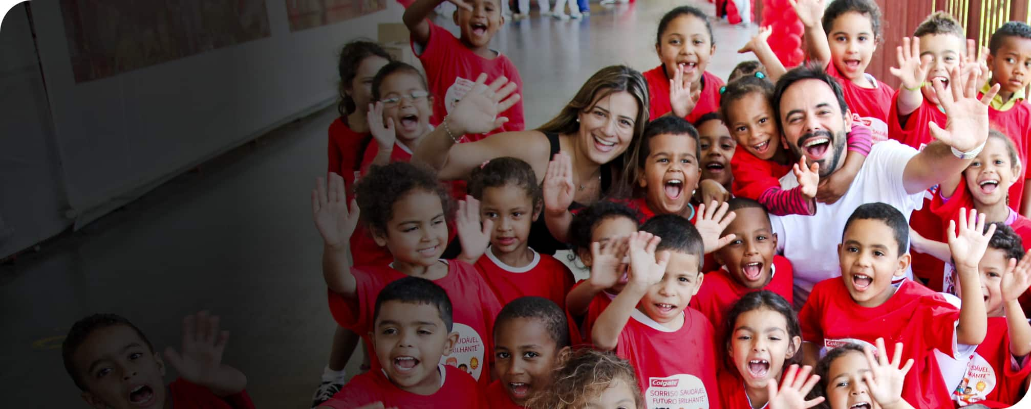 children smiling at bsbf colgate event in brazil