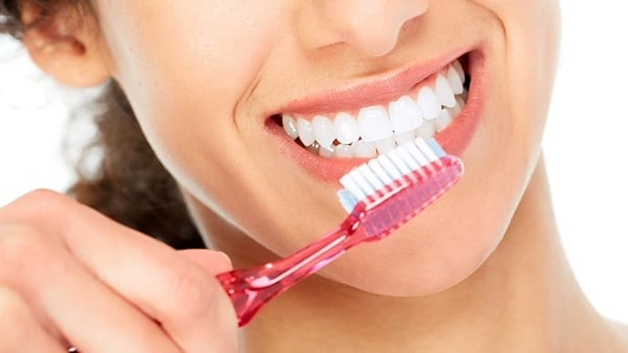 how long should you brush your teeth - colgate in