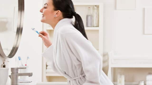 is brushing teeth after eating okay? - colgate ph