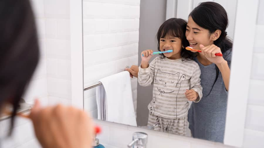 all about silicone bristle toothbrushes - colgate sg