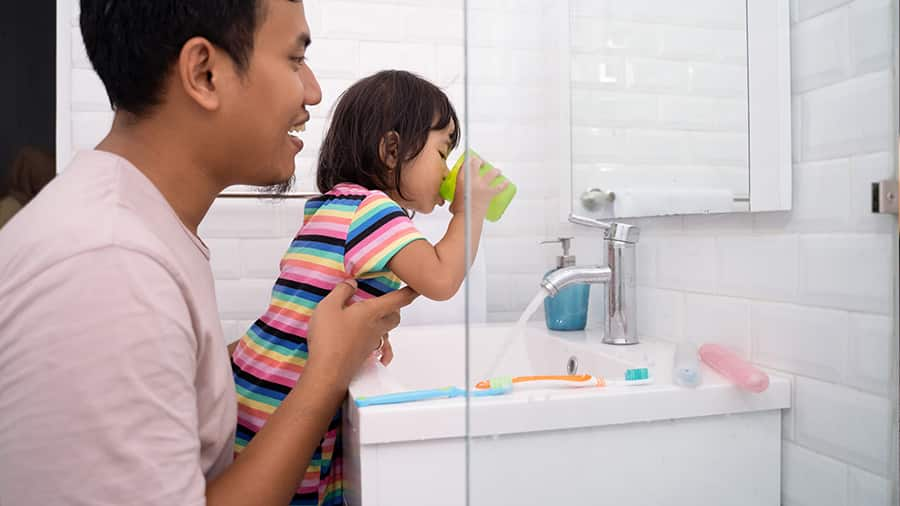 what parents should know about kids mouthwash - colgate sg